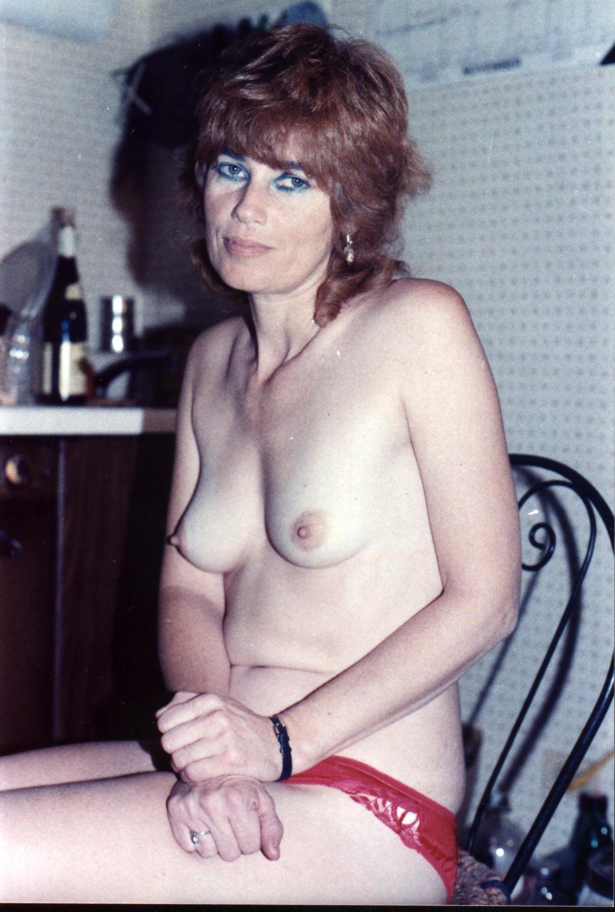 free pictures retro nudity